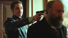 Siz babamın katilisiniz!