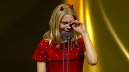 Aleyna Tilki ödülü alırken gözyaşlarına boğuldu!