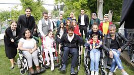 Zalim İstanbul seti engelli hayranlarını ağırladı!
