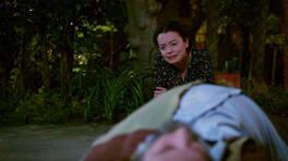 Levent, Meryem'in çaresizliğini görüyor!