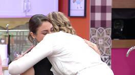 Pınar gözyaşlarını tutamadı!