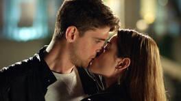 Damla, Civan'ı öptü!