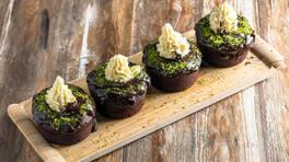 Çikolatalı Dev Cupcake - Çikolatalı Dev Cupcake Tarifi - Çikolatalı Dev Cupcake Nasıl Yapılır?