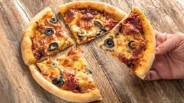 Mantarlı Sucuklu Pizza - Mantarlı Sucuklu Pizza Tarifi - Mantarlı Sucuklu Pizza Nasıl Yapılır?