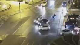 Son dakika: Işık ihlali yapan sürücü 3 araca çarptı | Video