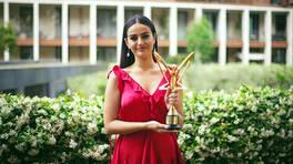 En İyi Halk Müziği Kadın Şarkıcı - Elif Buse Doğan