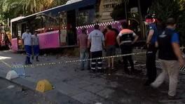 Son dakika... Kadıköy'de otobüs iş yerine daldı: Yaralılar var | Video