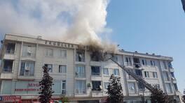 Son dakika... Esenyurt'ta 4 katlı binada yangın