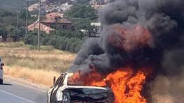 Seyir halindeki otomobil alev topuna döndü | Video