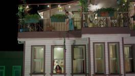 Ayşen ve Ateş'in balkon romantizmi!