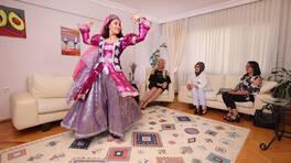 Uma'nın Kazak Dansı!