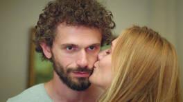 Yasemin, Demir'i öptü!