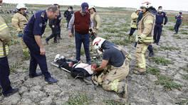 Düşen eğitim uçağının pilotu öldü   Video