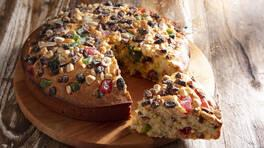 Kuruyemişli Lokumlu Kek - Kuruyemişli Lokumlu Kek Tarifi - Kuruyemişli Lokumlu Kek Nasıl Yapılır?