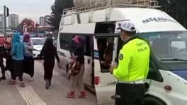 17 kişilik minibüsten 41 tarım işçisi çıktı | Video