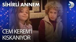 Cem Kerem'i kıskanıyor