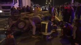 İki otomobil çarpışıp takla attı, 2 kişi öldü