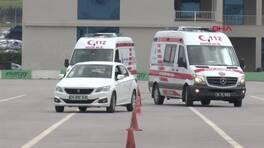 Ambulanslar Formula 1 pistine indi
