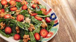 Arda'nın Mutfağı - Çilekli Ispanak Salatası Tarifi - Çilekli Ispanak Salatası Nasıl Yapılır?