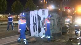 Hafriyat kamyonu devrildi, sürücüsü yaralandı