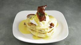 Arda'nın Mutfağı - Poşe Yumurtalı Tuzlu Pankek Kulesi Tarifi - Poşe Yumurtalı Tuzlu Pankek Kulesi Nasıl Yapılır?
