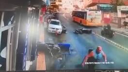 Motosikletlilerin feci kazası kamerada