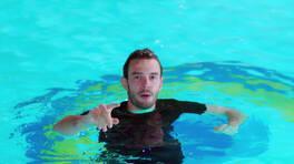 Bora ve Ali, havuza düşüyor!
