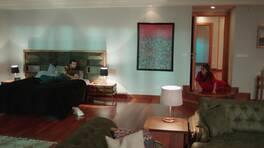 Ada, Bora'nın odasına dalıyor!