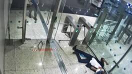 Midesindeki kokain dolu kapsül patlayan Ekvadorlu kurye İstanbul Havalimanı'nda öldü