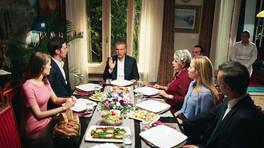13. Bölüm - Rafet'in kararı tüm aileyi şoke etti!