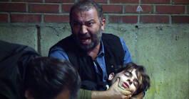 Mesut, oğlunu kurtarmak için çırpınmaktadır! Arka Sokaklar 414. Bölüm yayında!