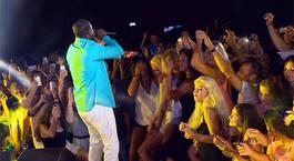 Kızlar Akonla Coştu!