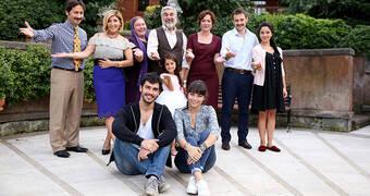 Sımsıcak bir aile komedisi : Altınsoylar