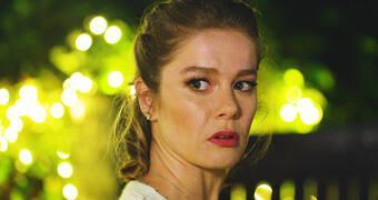 Hayat Şarkısı Son Bölüm'e Hülya'nın aldığı şok karar damgasını vuruyor!