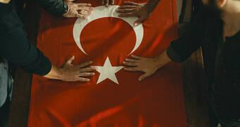 İsimsizler'de Cumhuriyet Ruhu!