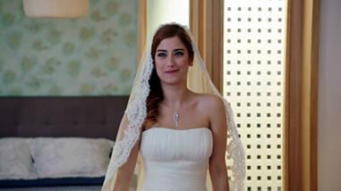 Azra ve Can'ın nikahında şok gelişme!