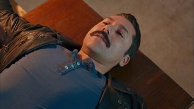 Mehmet, karısı ve kızını kurtaracak mı?