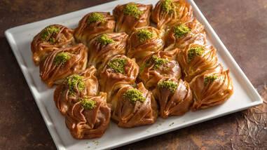 Arda'nın Ramazan Mutfağı - Midye Baklava Tarifi - Midye Baklava Nasıl Yapılır?