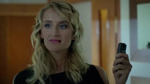 Lena, asıl yüzünü gösteriyor