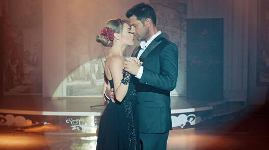 Duygu ve Serkan'dan muhteşem dans!