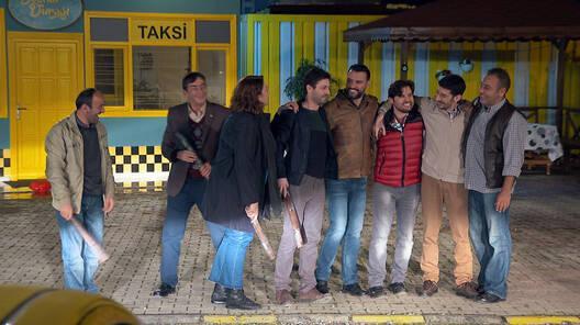 Yanan taksi dostluğu pekiştirdi!