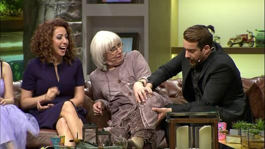 Enis Arıkan'ın fenomen annesinden sürpriz!