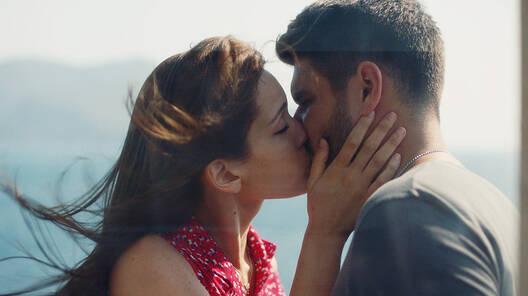 Elif'ten şok eden evlilik teklifi!