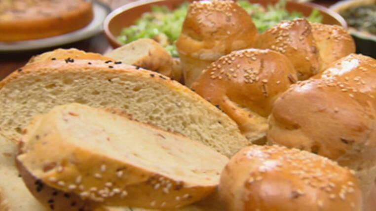 Cevizli ve Otlu Ekmek tarifi