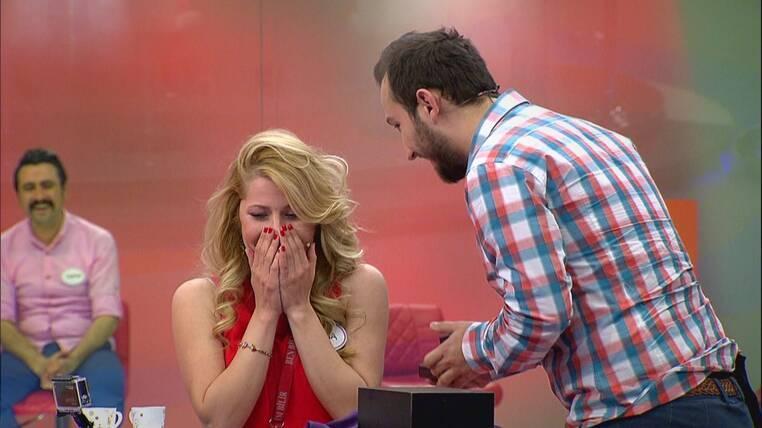 Ben Bilmem Eşim Bilir'de Sürpriz Evlenme Teklifi!
