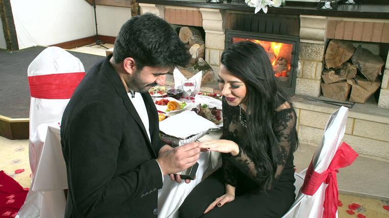 Adnan, Didem'e evlenme teklifi ediyor...